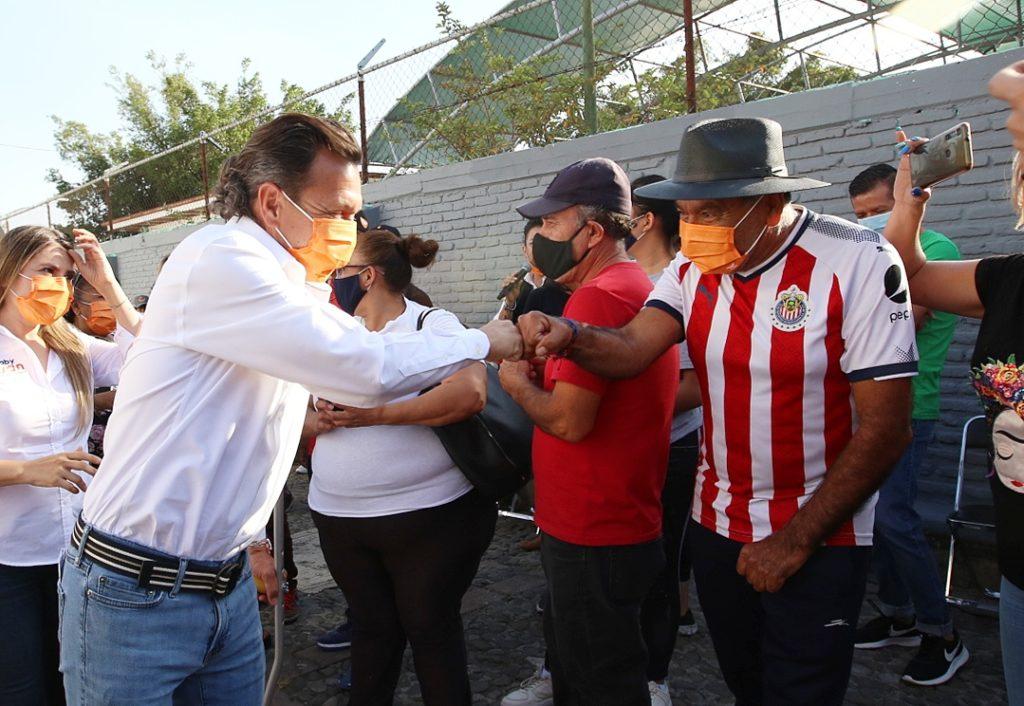 'Vengo aquí a proponerles soluciones': recorre Pablo Lemus el distrito 9 de Guadalajara