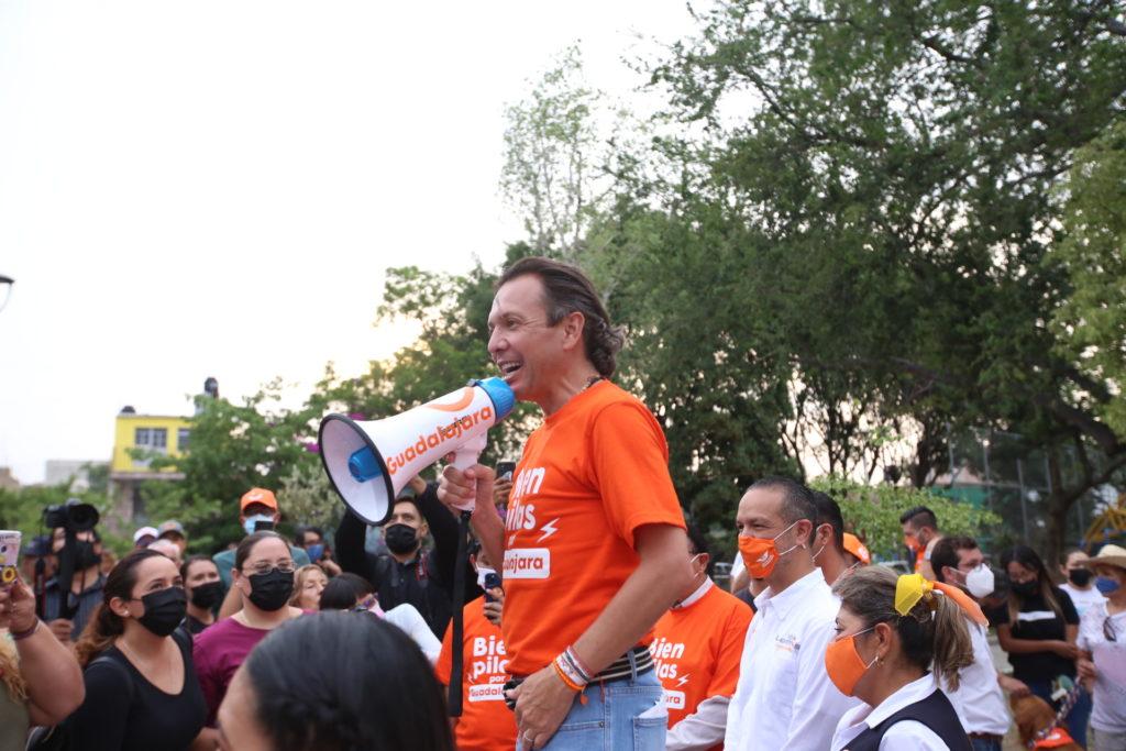 Continúa Pablo Lemus con rally 'Bien Pilas por Guadalajara'