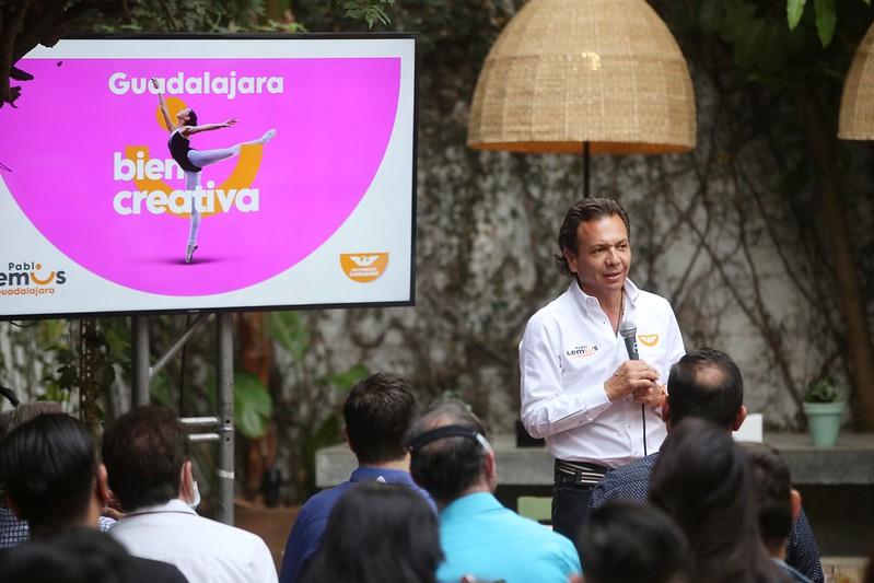 Pablo Lemus Navarro, candidato a la presidencia municipal de Guadalajara, en rueda de prensa de Guadalajara bien creativa.