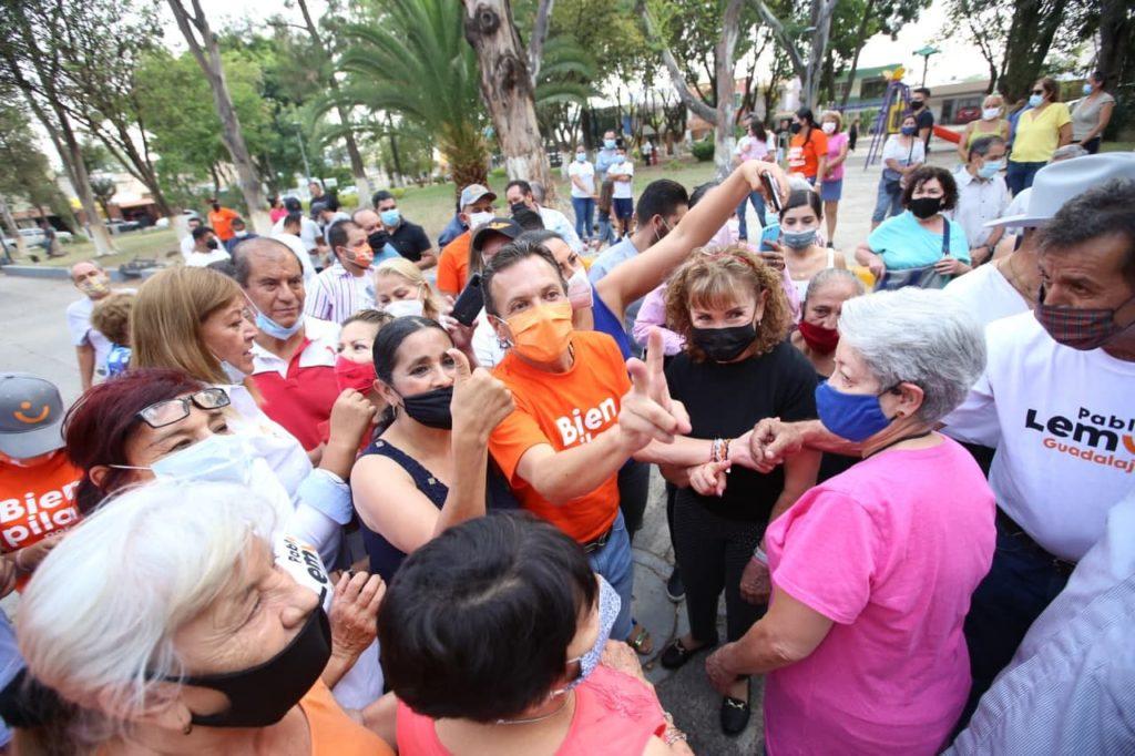 Pablo Lemus realiza rally por el cierre de campaña en colonias de Guadalajara